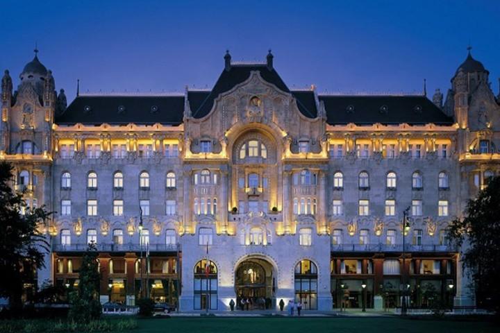 Four Seasons Hotel George…